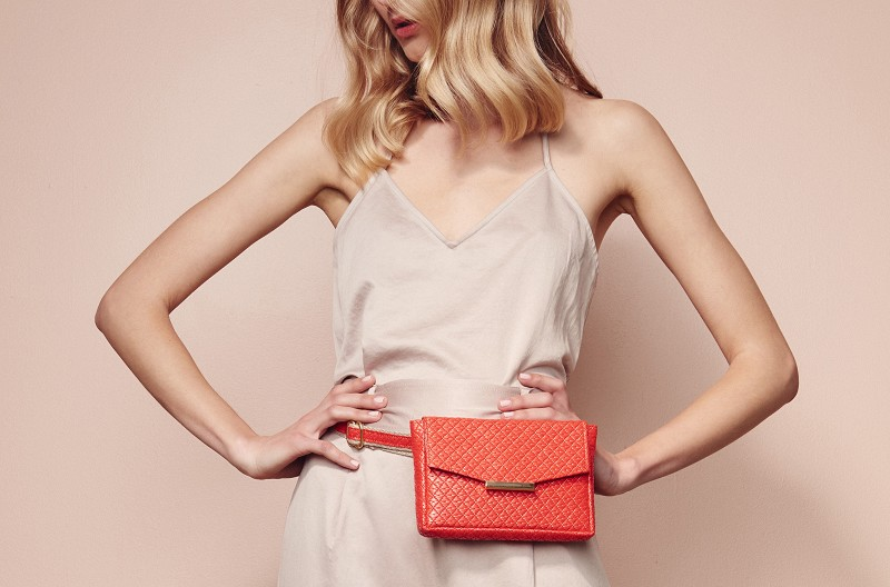Convertible Belt Bag in Rojo